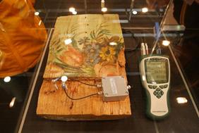 木版の湿度等の測定